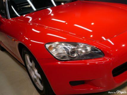 スポーツカーが持つスタイルを魅惑的な輝きへ
